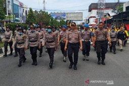 Polisi tidak gunakan senjata api kendalikan massa pendemo