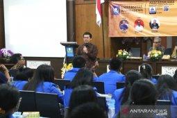"""Bupati Klungkung beri kuliah umum """"pelayanan publik"""" pada mahasiswa Unwar"""