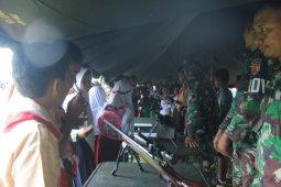 Ratusan siswa di Halmahera Utara penuhi pameran alutsista