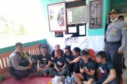 13 pendaki terjebak kebakaran di Gunung Raung tiba dalam kondisi sehat