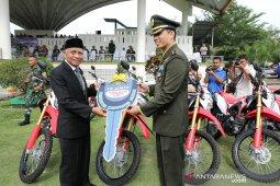 Bupati Asahan serahkan  18 sepeda motor CtRF Kepada Dandim