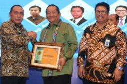 Pemkab Samosir peroleh dua penghargaan dari Pemerintah