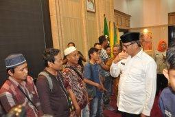 Kedatangan 30 warga Banten dipulangkan dari Papua diterima Gubernur Wahidin