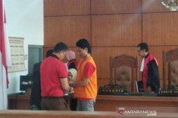 Terdakwa pembunuhan pedagang ayam penyet divonis seumur  hidup