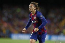 La Liga - Clement Lenglet bantah kabar Antoine Griezmann tidak bahagia di Barca