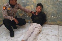 Dua orang yang diduga menusuk Menkopolhukam diamankan polisi