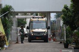 Luka tusuk di perut, Wiranto jalani operasi selama 3 jam