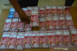 Pengedar uang palsu di Lamongan
