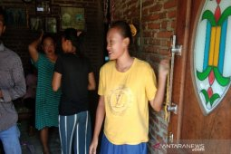 Cerita tetangga, pelaku penusuk Wiranto pendiam setelah bercadar