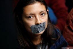 Polisi Belanda tahan 130 demonstran  kelompok Extinction Rebellion