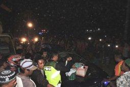 Pohon tumbang timpa mobil di pantura Situbondo, empat penumpangnya tewas (Video)