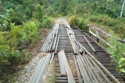 UPJJ Kapuas Hulu turun tangan perbaiki jembatan Desa Nanga Payang
