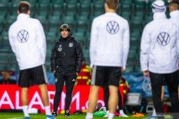 Pelatih Jerman nilai Emre Can pantas dapat kartu merah