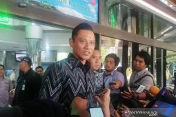 SBY, AHY dan Ibas jenguk Wiranto