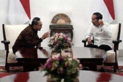 Jokowi dan Zulkifli Hasan bertemu di Istana bahas Amandemen UUD 1945