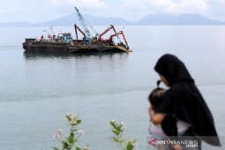 Pengerukan Kawasan Pelabuhan Ulee Lheu