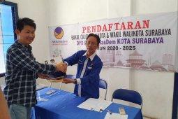 Awey kembalikan formulir bacawali Surabaya ke NasDem