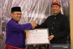 BNPB berikan penghargaan kepada Gubernur Bangka Belitung