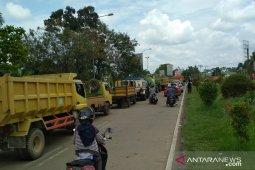 Suplai barang terganggu karena akses Jembatan Kapuas II ditutup