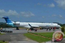 Akibat kabut asap di bandara Pinangsori, Garuda dialihkan ke Padang