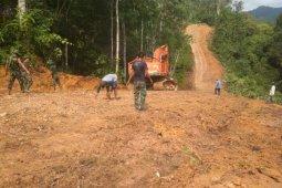 Pekerjaan TMMD di perbatasan  Indonesia - Malaysia wilayah Kapuas Hulu sudah 64 persen