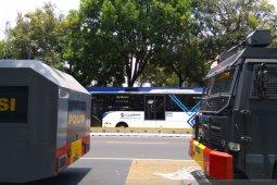 Demo mahasiswa, TransJakarta alihkan rute di depan Gedung DPR