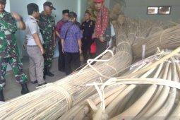 185 ikat rotan hasil tangkapan TNI di perbatasan dihibahkan