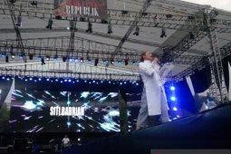 """Pedangdut Siti Badriah suarakan perdamaian di konser """"Musik Untuk Negeri"""""""