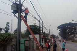 Warga pergoki aksi pencurian kabel PLN di Citangkil