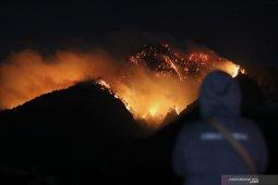 Kebakaran gunung Ranti meluas