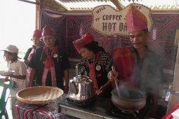 Kelompok Sadar Wisata Sarimarihit Samosir buka kedai kopi Hot Daina