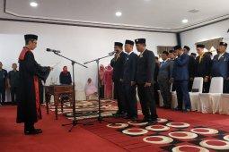 Pengucapan sumpah janji pimpinan DPRD Kabupaten Kayong Utara