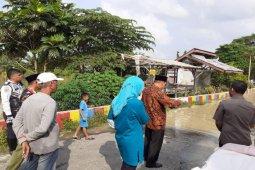 Wali kota tinjau banjir luapan Sungai Padang