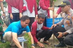 Peduli lingkungan, GenBi Lhokseumawe bersihkan sampah