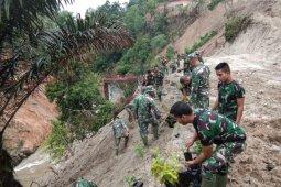 Berikan kesan Asri,Satgas TMMD Kodim 0204/DS tanam 2000 pohon pelindung