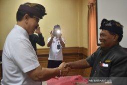 Badung serahkan ribuan sertifikat kompetensi pekerja pariwisata