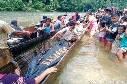 Tim SAR gabungan berhasil temukan pencari kayu yang hilang hanyut di sungai