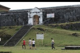 Wisata benteng Durstede di Saparua