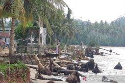 Mengkhawatirkan, Pantai Tabuyung Madina abrasi sepanjang satu kilometer