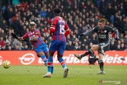 Leicester kembali ke peringkat tiga usai kalahkan Crystal Palace 2-0