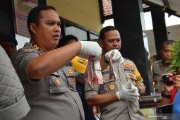 Tiga pelaku judi pilkades ditangkap polisi, salah satunya perempuan