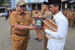 Wali Kota Sibolga pimpin apel bersama sekaligus lepas pejabat pensiun