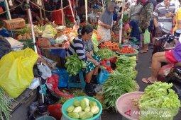 Harga berbagai jenis sayuran di Ambon stabil