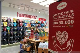 ACT-Havaianas berkolaborasi kampanye donasi sandal layak pakai