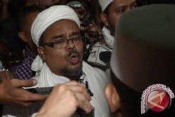 Kepulangan Habib Rizieq masih terkendala visa