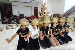 Seniman Bali semarakkan Festival Tanjung Kelayang 2