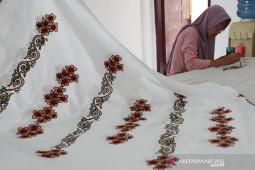Dongkrak industri batik motif Aceh