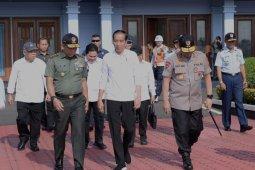 Presiden Jokowi meresmikan jalan tol Sumatera 189 km