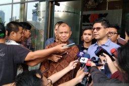 Pimpinan KPK ajukan