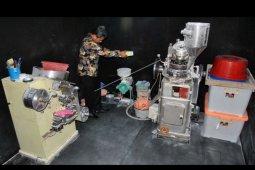Penggerebekan pabrik obat palsu